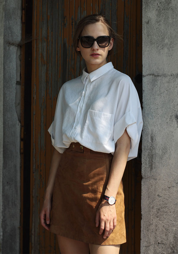 look-suede-skirt-white-shirt